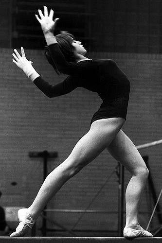 Nadia Comaneci 1977