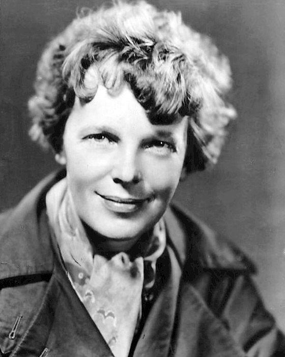 Anelia Earhart in Honolulu