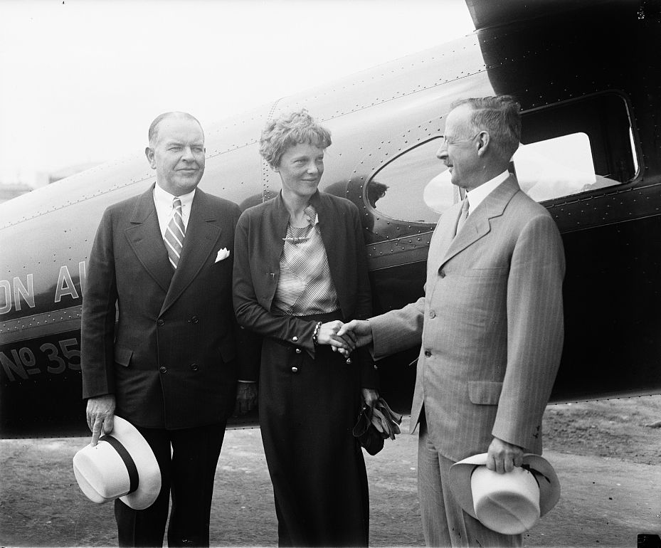 Amelia Earhart honors