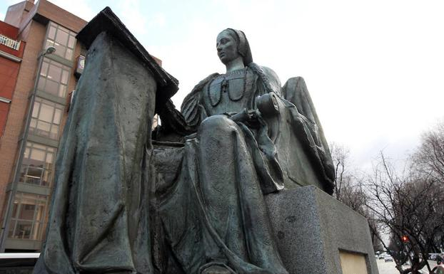 Statue Beatriz Galindo